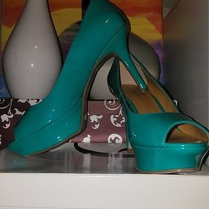 NINE WEST Turquoise Peep-Toe Pumps